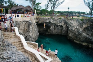 Cliff_Jumping_Rick's_Cafe_Jamaica_Honeymoon