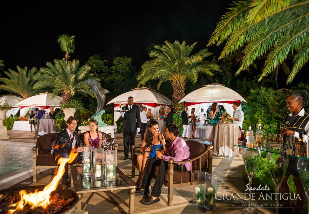 Honeymoon in Antigua - Sandals Grande Antigua Resort and Spa Night Life