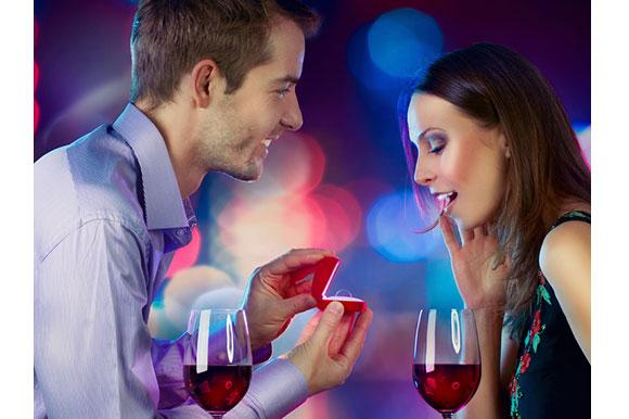 5 signs he'll propose - Destination-Wedding-Experts.com