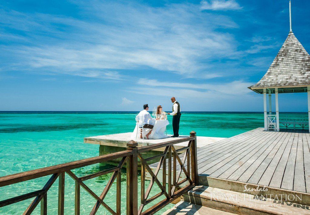 2015 Honeymoon Planning Checklist | Destination-Wedding-Experts.com