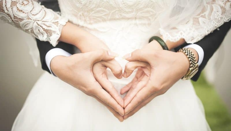 wedding heart hands header